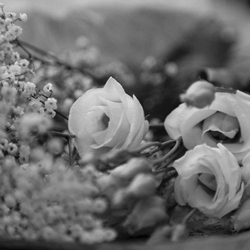 Ein Detail des Brautstrausses