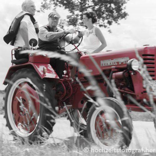 Brautvater und Braut auf dem Weg nach Lutterbek