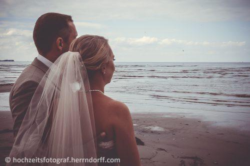 Hochzeit am Strand Tatort Hawaii Stein Ostsee